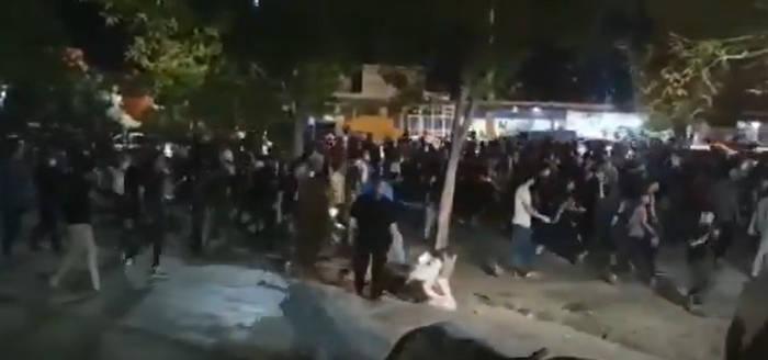 سومین شب اعتراضات پی در پی به بیآبی در خوزستان